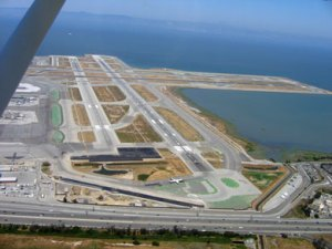 0823_san-francisco-airport_390x293
